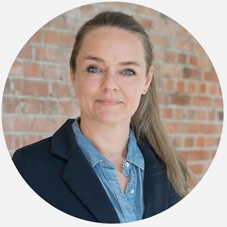 Lise kjærgaard _ rund_grå baggrund